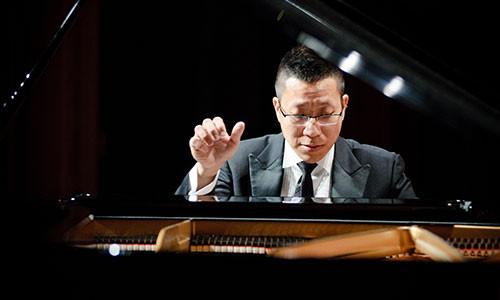 นักเล่น Piano Accompaniment
